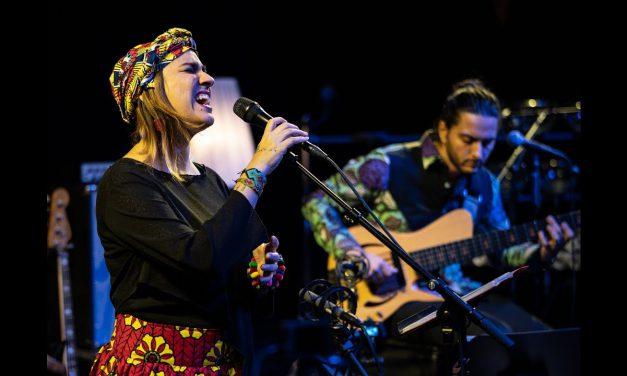 Marta Gómez presenta Un silencio que llegó de lejos